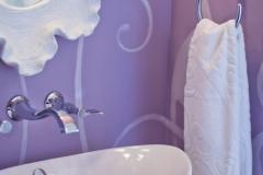 1Home-Decor_purple_bath